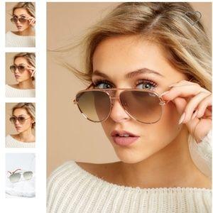 NWOT QUAY AUSTRALIA High Key Mini Rose Sunglasses